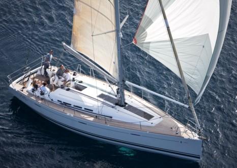 круизно-гоночная парусная яхта - фото