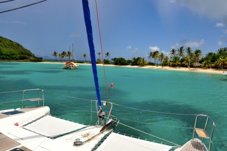 Explore_the_tranquil_islands_on_your_Grenadines_charter_674_1340
