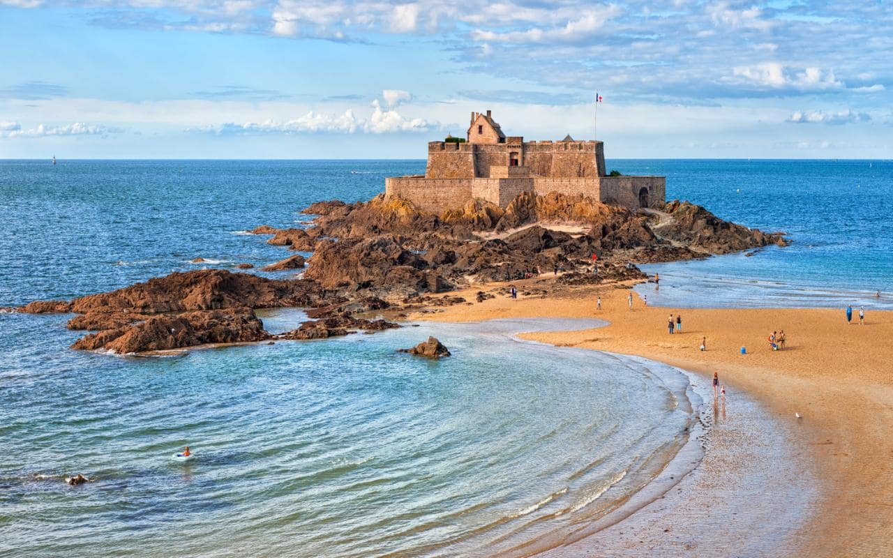brittany france Get great deals on hotels in brittany, fr book online, pay at the hotel read hotel reviews and choose the best hotel deal for your stay.