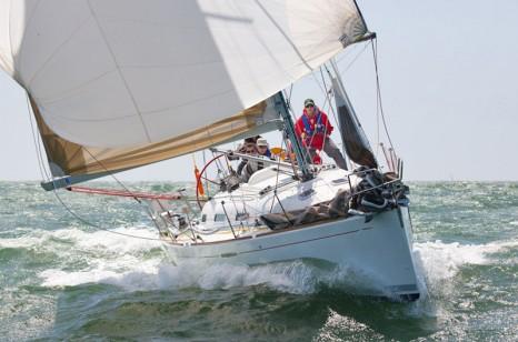 Яхта First 40.7