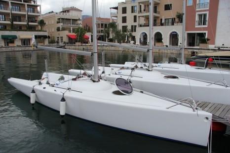 Яхты Blu 26
