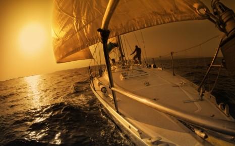 Яхта и закат