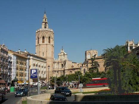 800px-Plaza_di_la_Reina,_Valencia