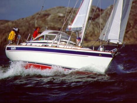 яхта Hallberg-Rassy 36