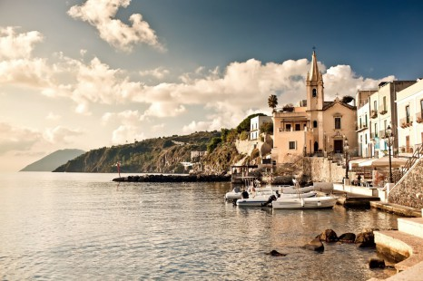 marina-corta-in-lipari-island-Italy-1600x1066