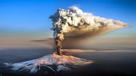 etna_volcano_italy_mountains_eruption_snow_hd-wallpaper-17488011