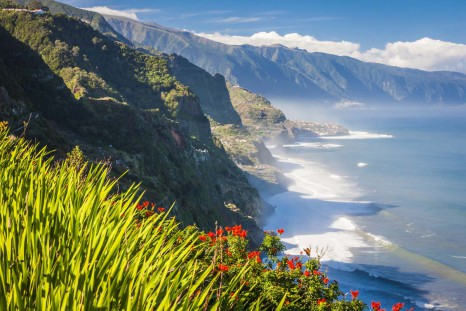 Прекрасный_вид_на_горы,_Мадейра