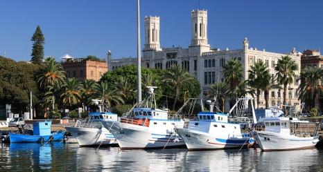 Comune di Cagliari, vista dal porto