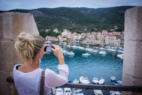 komiza-segel-kroatien-yachtcharter_ultra